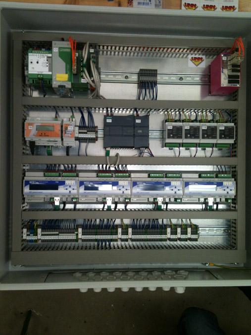 Datenloger-mit-USV-und-Glasfaseranbindung