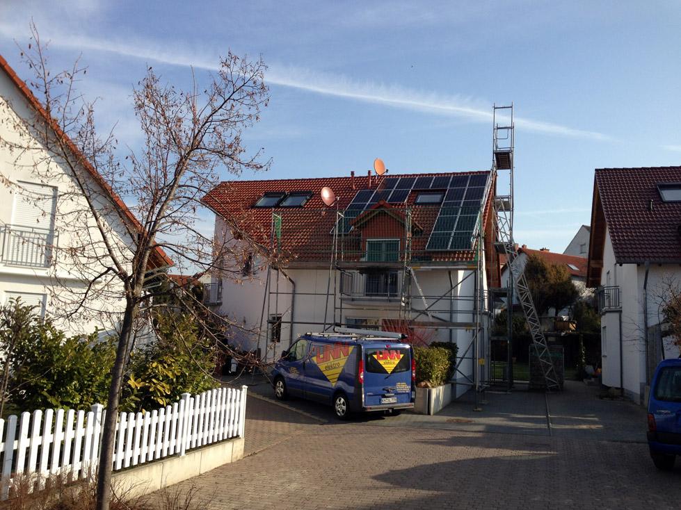 PV-Anlage-auf-einem-Einfamilienhaus